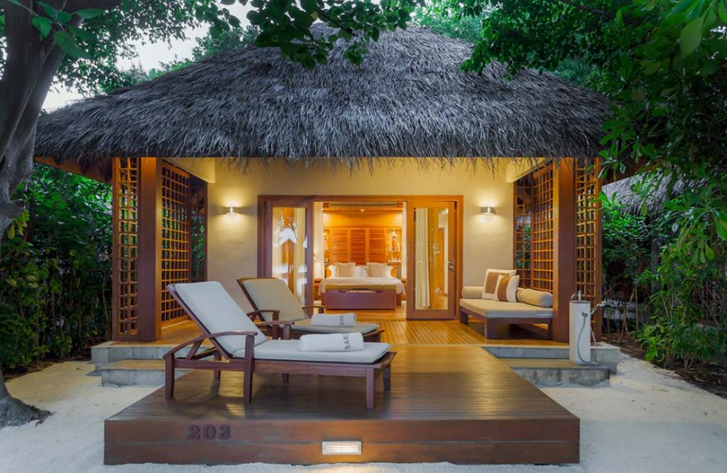Deluxe-Villa-Baros-Resort